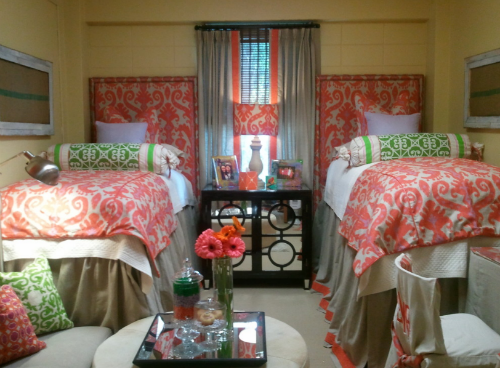 Decorating Ideas > Dorm Room Decor & Design TipsDont Let Small Quarters  ~ 000548_Fancy Dorm Room Ideas