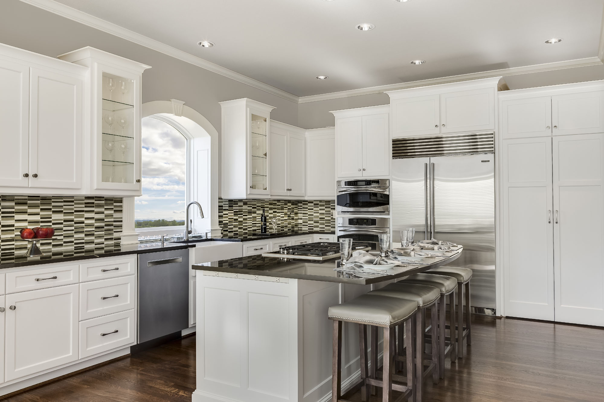 Kansas city homes style features our project kitchens for A kitchen connection