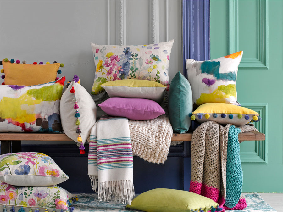 Throw Pillow Trends 2015 : Spring 2016 Interior Design Trends: The Magic of Throw Pillows