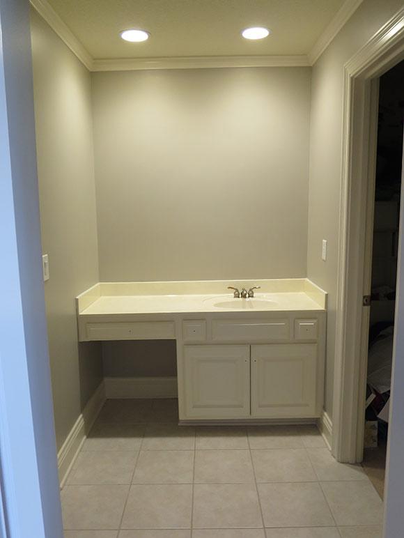 Bathroom 2 - Before